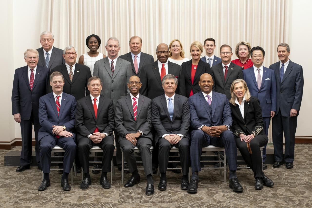 Group photo of 2019 Board of Trustees